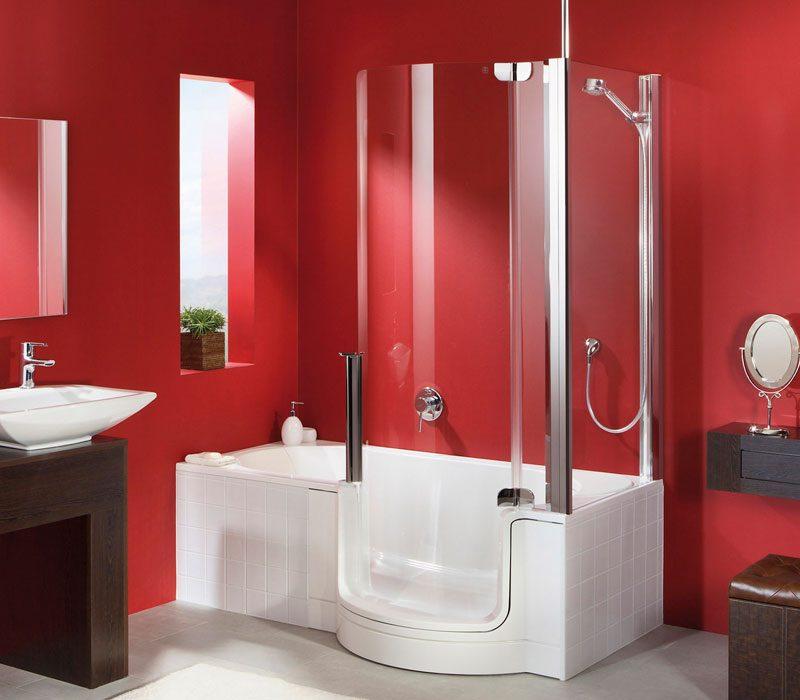 Cuarto de baño rojo con bañera :: Imágenes y fotos