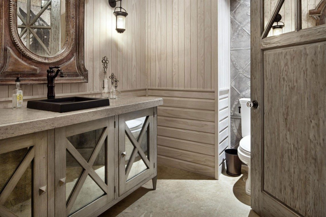 Cuarto de baño rústico de madera blanca :: Imágenes y fotos